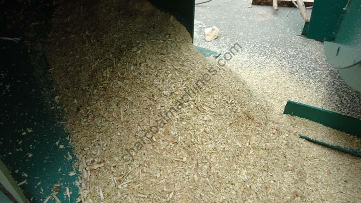 sawdust made by multifunctional wood crusher