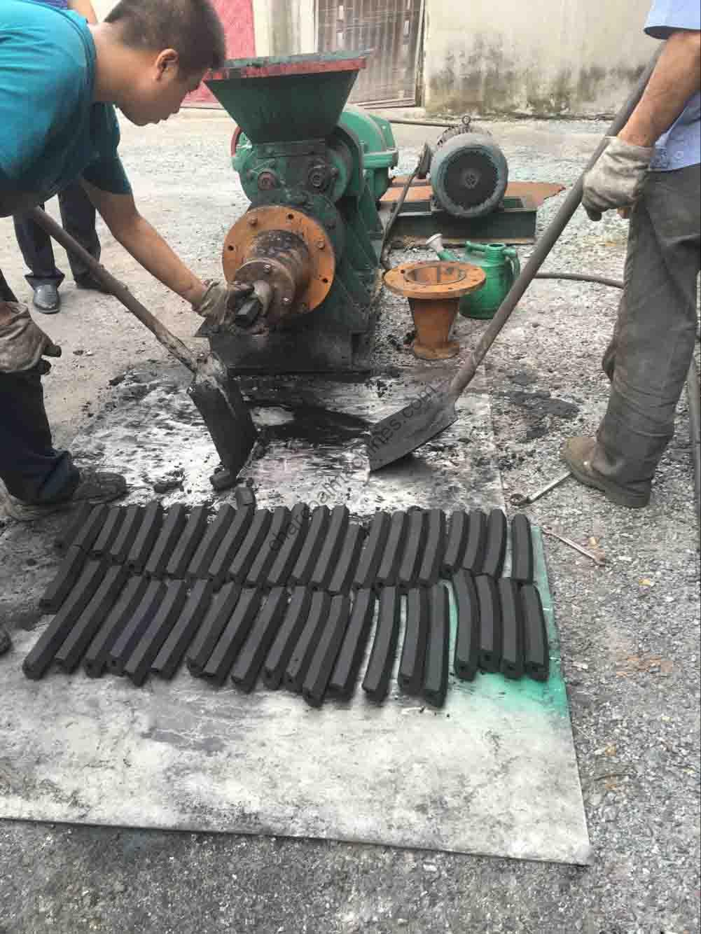 charcoal briquette machine is in using