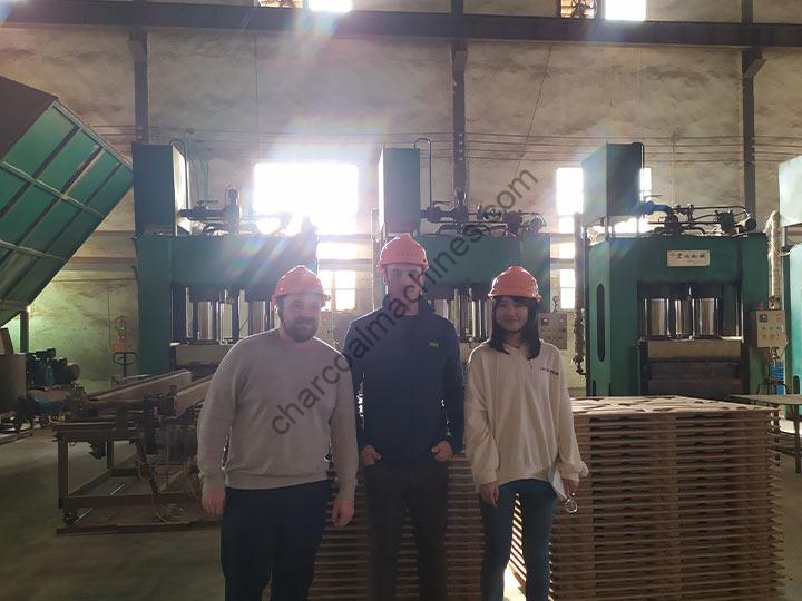 Turkey customers visited Shuliy Factory for pallets press machine